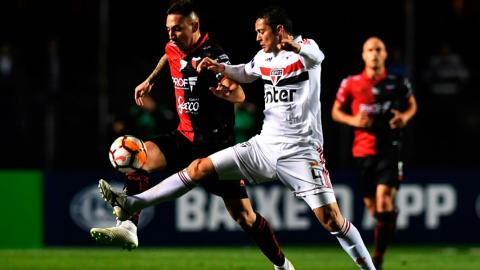 Colón sacó ventaja de 1-0 en el mítico estadio Morumbí de Sao Paulo.