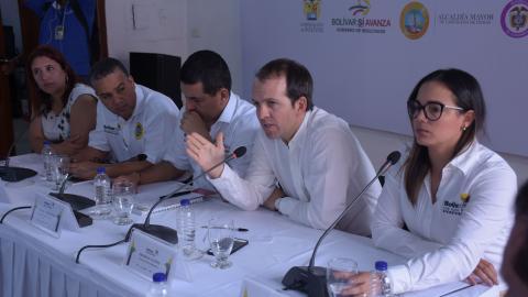 De izquierda a derecha: Marcela Ramón, Pedrito Pereira, Dumek Turbay, Ernesto Lucena y Cecilia Baena.