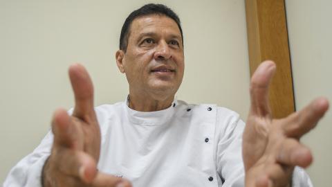 En la actualidad Giovanni Bacci está dedicado a prestar servicios de odontología en un centro médico.