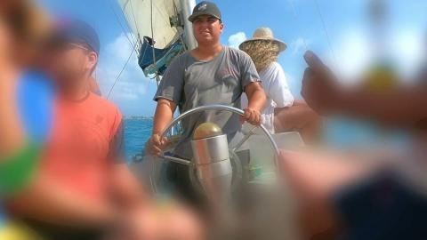 Muchas veces productores locales se ven beneficiados cuando son contratados para rodar videos musicales en la isla.