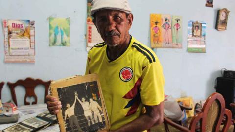 Francisco Durango Pérez tiene en su hogar varias fotos de sus años como boxeador amateur y profesional.