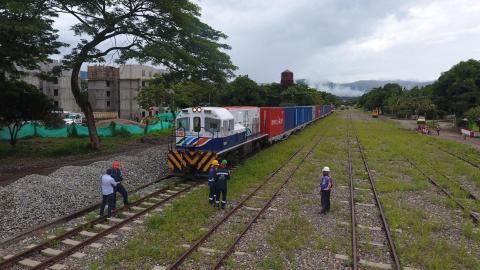 El tren del café salió de La Dorada Caldas con rumbo a Santa Marta.