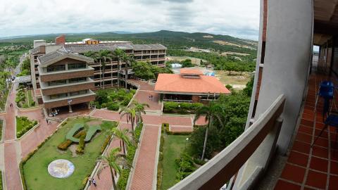 Panorámica aérea de la sede principal de la Universidad del Atlántico, en Puerto Colombia.