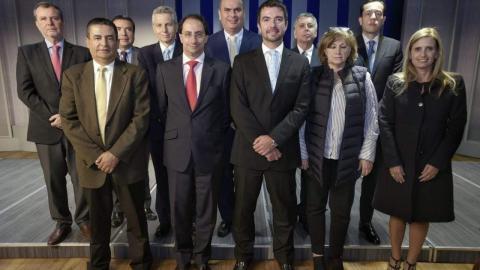 El mincomercio, José M. Restrepo, y los representantes de las cámaras de comercio del país.