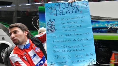 Los hinchas del equipo Tiburón han apoyado al equipo desde que llegó a Medellín.