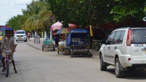 Aspecto de la avenida Primera, en el balneario  de Tolú, en Sucre.