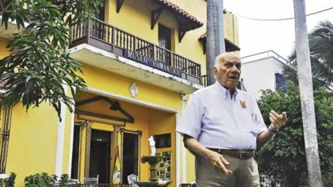 Foto tomada en agosto de 2013. El director del Museo Alfredo de la Espriella contaba la historia de este centro.