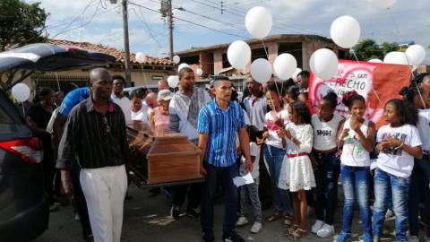 El sepelio de María del Pilar Hurtado, lideresa asesinada el pasado 21 de junio en Tierralta, sur de Córdoba.