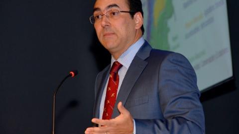 El director Ejecutivo del Banco Interamericano de Desarrollo (BID) por Colombia y Ecuador, Sergio Diaz Granados