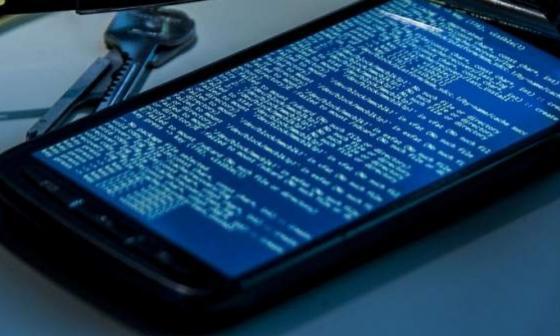 Humanos hackeados, democracia en jaque