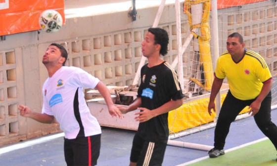 Cinco equipos salen airosos en primera jornada del fútbol sala