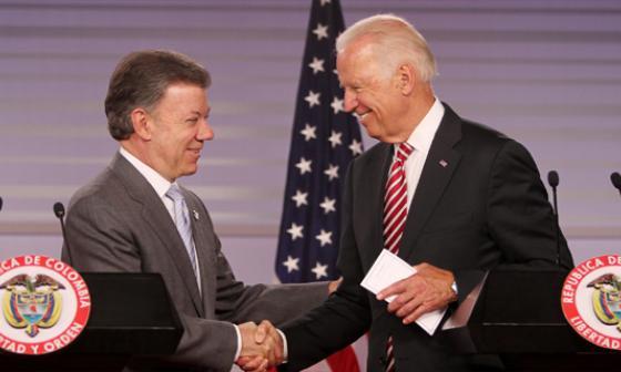 El presidente Juan M. Santos y el vicepresidente Joe Biden.