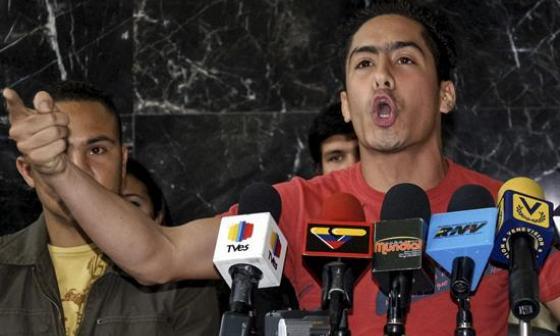 Maduro acusa a Uribe de muerte de diputado