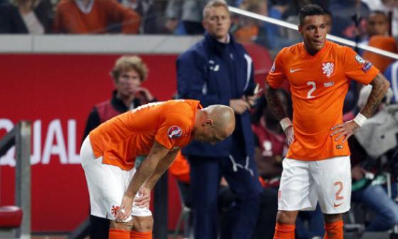Arjen Robben fue sustituido del juego por una lesión.