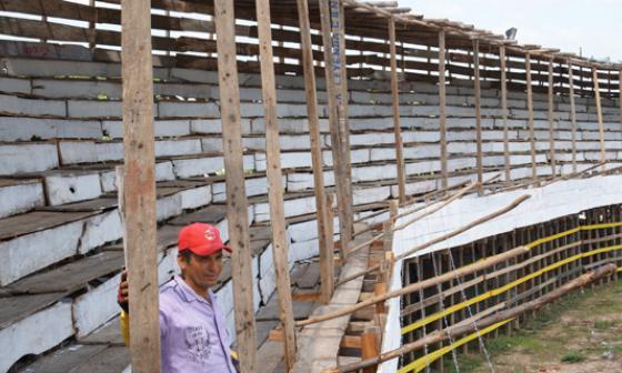 Seis mil tablas fueron usadas para construir las corralejas de Sincé, que hoy arrancan.
