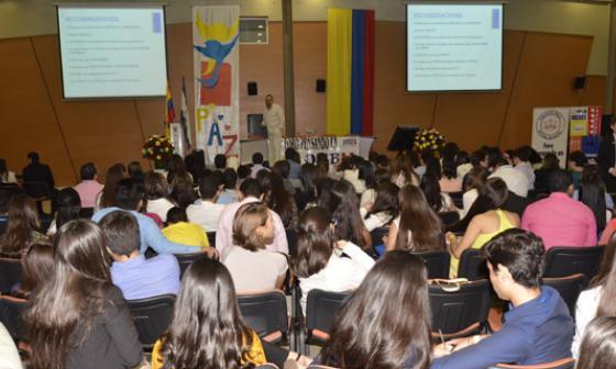 Liderazgo juvenil, eje central  de foro 'Pensando en Colombia'