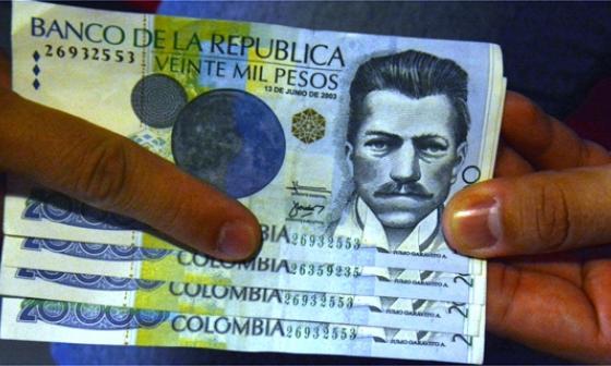 Juego de billetes falsos identificados por Undeco con el mismo serial final.