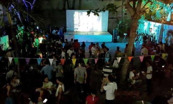 Patio Tropical de la Alianza Francesa se llenó de fiesta anoche con el lanzamiento de Cine a la Calle.