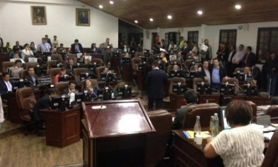 Mayoría del Concejo de Bogotá apoyaría la venta de ETB