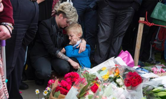 Muerte de diputada una semana antes del 'Brexit' causa conmoción