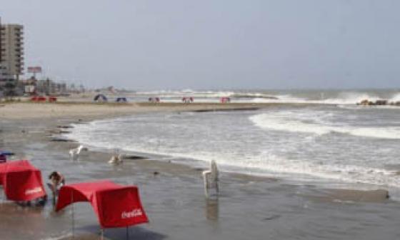 Hallan cuerpo de mujer ahogada en Manzanillo