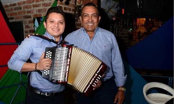Luís José Villa junto a Beto Zabaleta durante presentación oficial en Barranquilla.