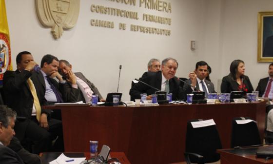 debate de control político en la Comisión Primera de la Cámara.