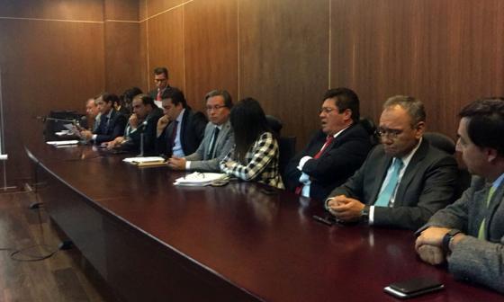 Magistrados del Consejo Nacional Electoral declarando la elección del plebiscito.