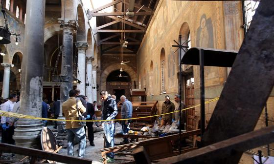 Interior de la iglesia de San Pedro, casi destruido.