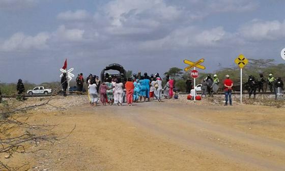 Diez capturados por bloquear línea férrea en La Guajira
