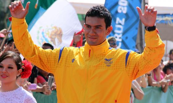 Éider Arévalo le apunta al récord del mundo en caminata
