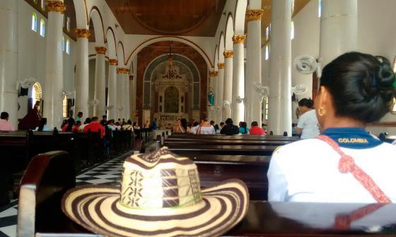 Afiliados y trabajadores de Manexka se concentran en la Catedral de Sincelejo