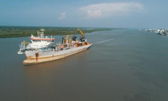 La draga Pedro Alvares fue la encargada de realizar el dragado del canal de acceso entre abril y mayo pasado.