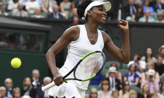 Muguruza, Venus y Djokovic, firmes en Wimbledon