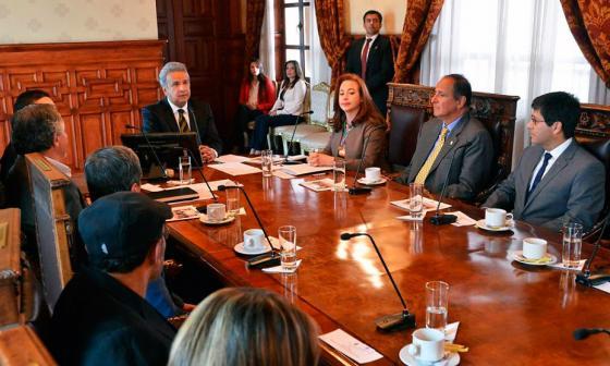 Gobierno y ELN extienden tercer ciclo de diálogos hasta este lunes