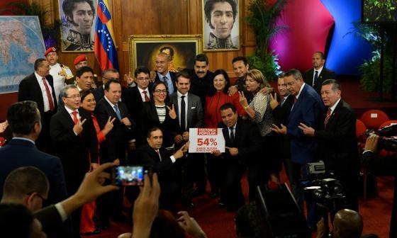 Constituyente de Venezuela posterga juramentación de gobernadores