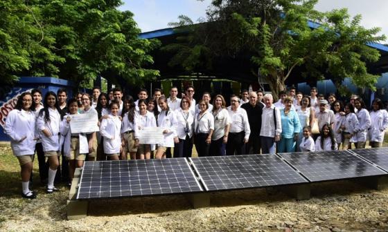 Inauguran planta de energía solar en el Instituto Humboldt