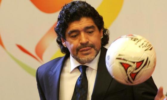 Maradona celebra el regreso de  Carlos Tévez a Boca Juniors