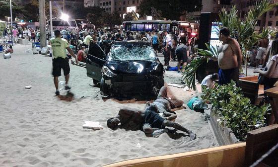 Atropello masivo en Copacabana: un bebé muerto y más de docena de heridos