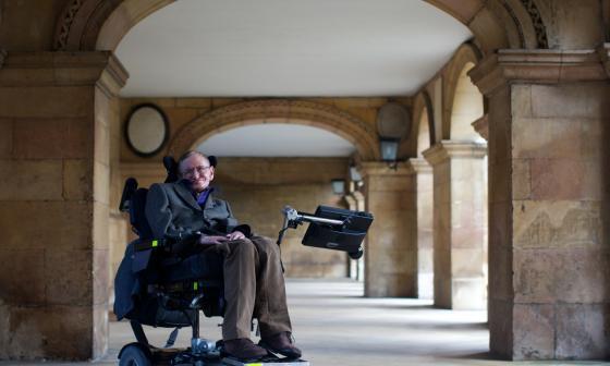 Stephen Hawking, más cerca de las estrellas