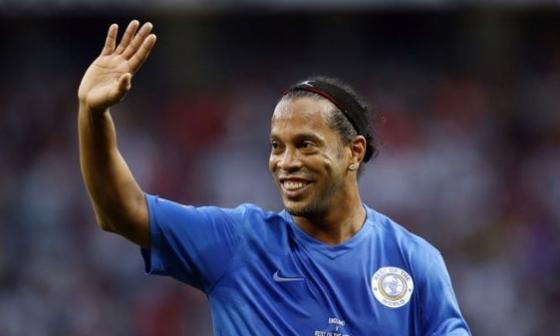 Ronaldinho se afilia a partido evangélico en Brasil