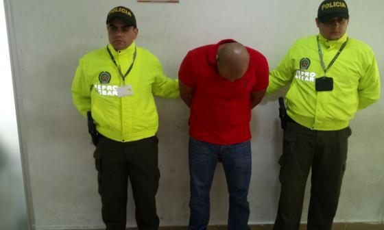 Este es el momento de la captura del docente universitario por presunto abuso de menores en Barranquilla