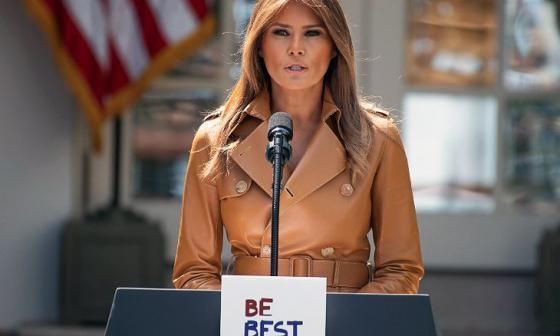 """La primera dama de Estados Unidos, Melania Trump, cuando presentaba el proyecto """"Ser mejores""""."""