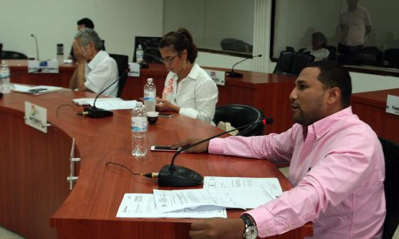 Comisión de Presupuesto aprueba descuento de intereses en impuestos