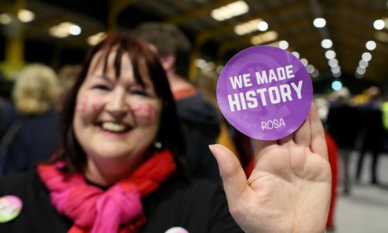 El Sí al aborto va ganando en Irlanda