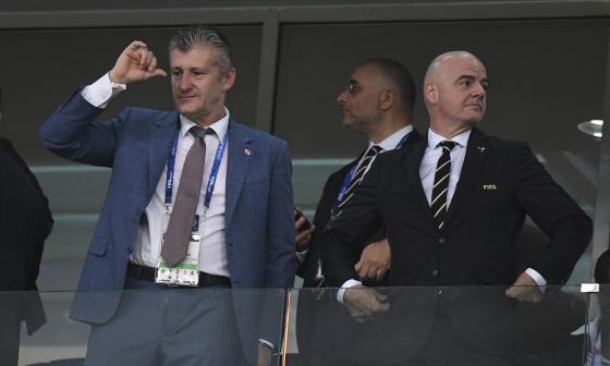 Davor Suker, máxima figura de la generación del 98 y hoy presidente de la Federación Croata de Fútbol, junto a Gianni Infantino, presidente de la Fifa.