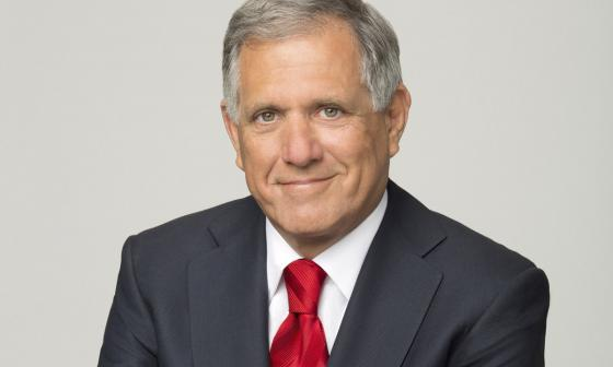 Investigan a presidente de CBS por denuncias de acoso sexual en EEUU