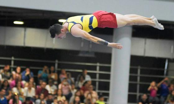 Colombia gana oro en gimnasia de trampolín masculino individual