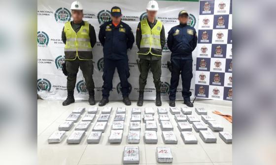 En video   Decomisan 45 kilos de cocaína en dos embarcaciones en el puerto de Barranquilla