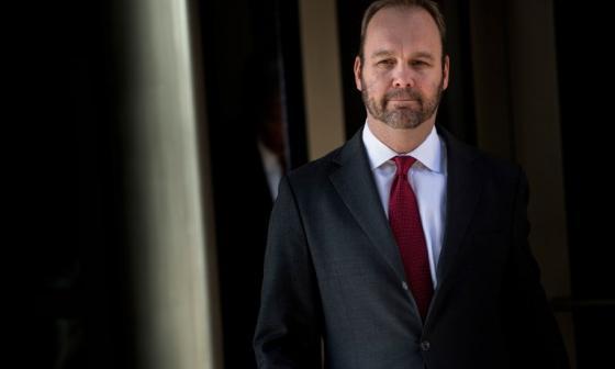Testigo describió cómo ayudó a exjefe de campaña de Trump a evadir impuestos